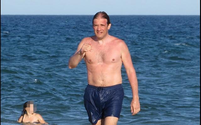 Image result for Passos coelho praia