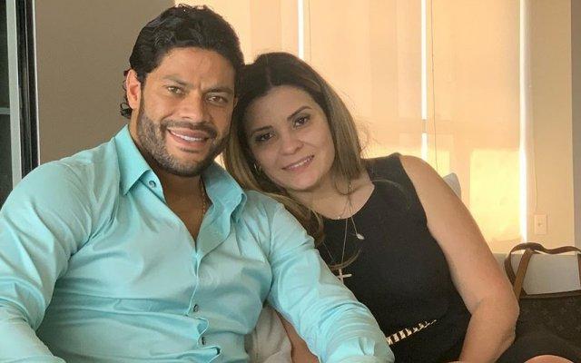 Hulk e Camila Ângelo