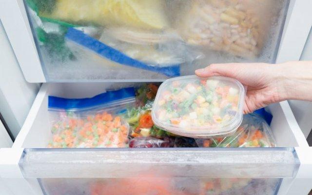 Estes 9 alimentos não podem entrar no seu congelador