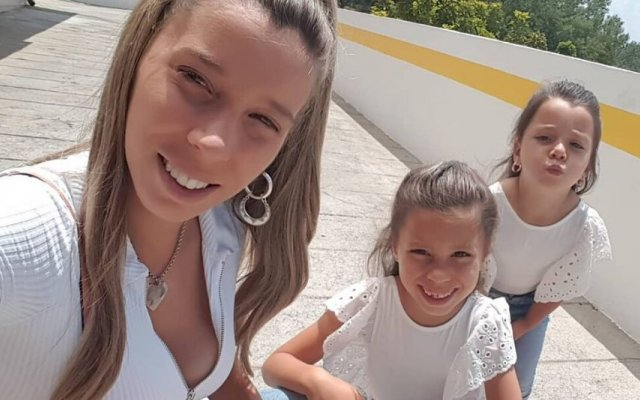 Sónia Jesus e as filhas