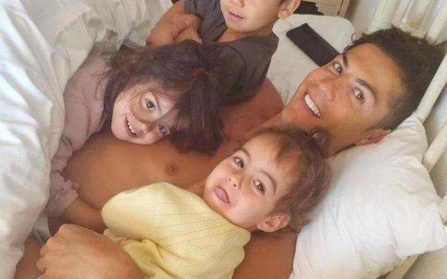Cristiano Ronaldo, Eva e Alana Martina