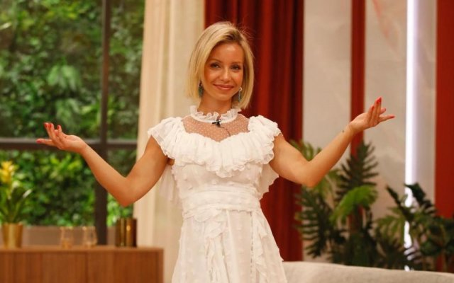 Luciana Abreu mostra-se em lingerie e deixa todos encantados