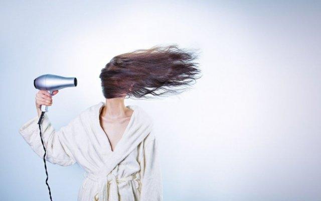 David Xavier, cabeleireiro do Atelier Chiado Hair Salon