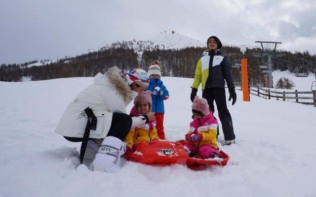"""Georgina Rodríguez cumpriu a """"tradição"""" e rumou até à neve"""