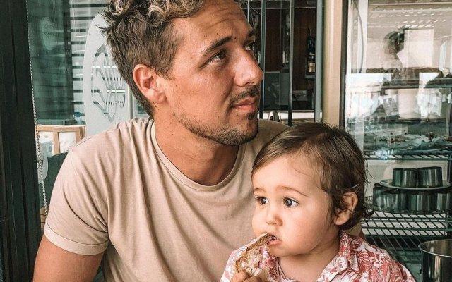 Miguel Cristovinho, pai solteiro, Mateus, Mia Rose, D.A.M.A.