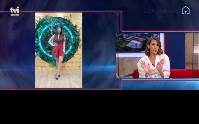 """Os comentadores do """"Extra"""" teceram críticas à escolha de Sofia Sousa para o look da gala do """"Big Brother"""""""