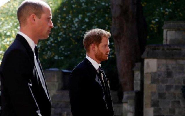 O funeral do príncipe Filipe, duque de Edimburgo, aconteceu este sábado, 17 de abril e contou com a presença de vários elementos da família real britânica