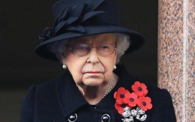 A rainha Isabel II quebra o silêncio sobre a morte do marido