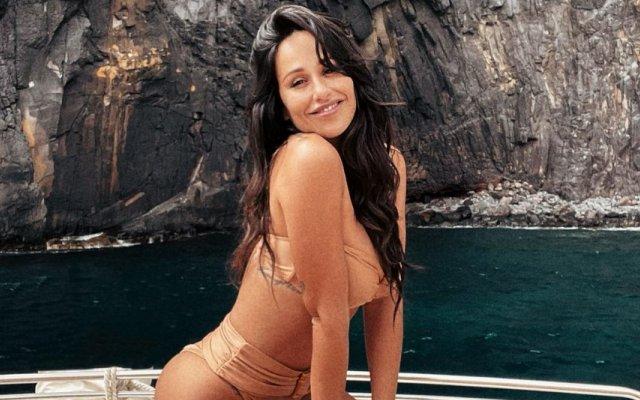Rita Pereira mostra aos fãs gordurinhas na barriga