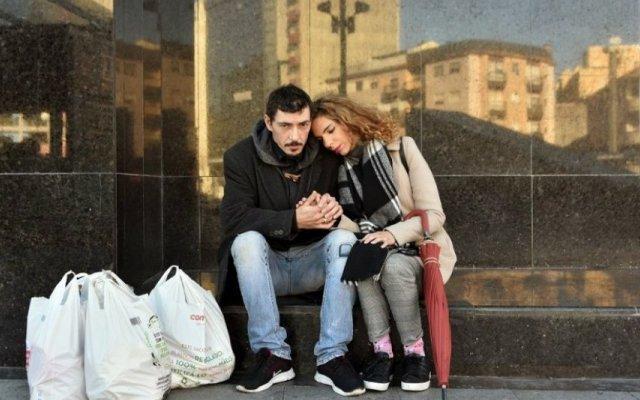 Alexa Devni Rebelo e o namorado Ricardo Santos vivem em condições precárias e precisam de ajuda