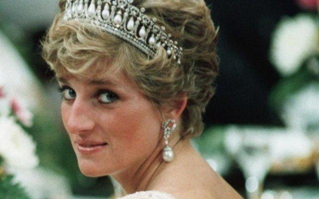 Princesa Diana, realeza, mala favorita, Lady Di, Gucci, Gucci Diana, modelo, marca de luxo