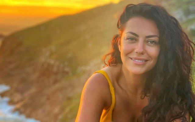 Sofia Ribeiro revela que beijo com Pedro Barroso teve muita química