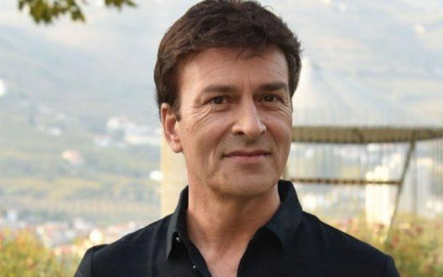 Tony Carreira foi ver um jogo de Portugal com os filhos, David e Mickael