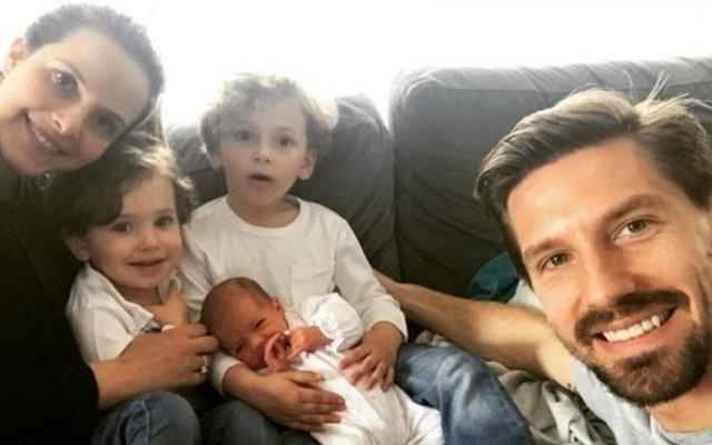 Adrien Silva e família