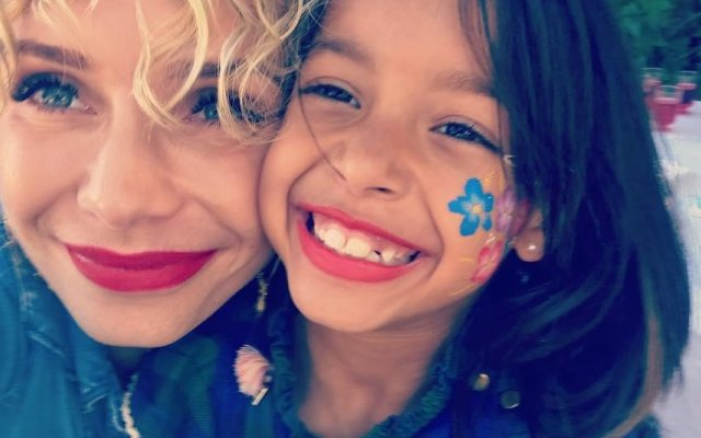 Luciana Abreu e filha