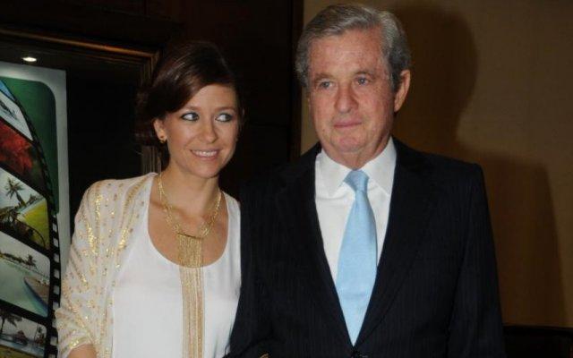 Paula Lobo Antunes com o pai, João