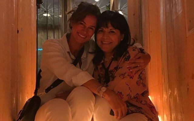 Cláudia Vieira com Maria José Alves