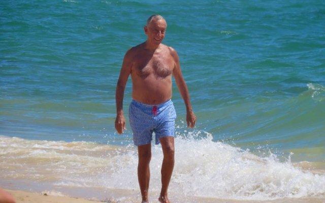 Marcelo Rebelo De Sousa - Brinca na praia com os netos | Nova Gente