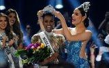 Zozibini Tunzi é a Miss Universo 2019