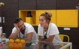 André comenta com Zena a noite que passaram juntos
