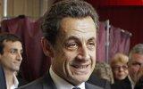 O ex-presidente francês Nicolas Sarkozy foi condenado a três anos de prisão