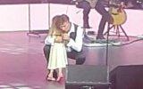 A neta de Tony Carreira assistiu, pela primeira vez, a um concerto do avô
