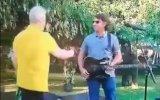 Marco Paulo estendeu a mão para cumprimentar um convidado que é cego