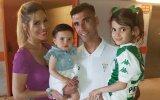 António José Reyes com a mulher, Noélia, e as filhas Noélia e Triana