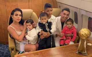 Cristiano Ronaldo, Georgina Rodríguez, Cristianinho, Eva, Mateo e Alana Martina