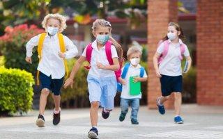 Escolas fecham esta sexta-feira devido à pandemia de covid-19