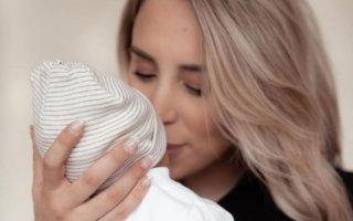 Helena Coelho foi mãe da pequena Íris, fruto da relação com personal trainer Paulo Teixeira