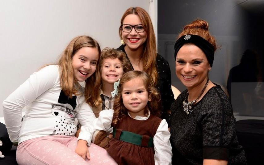 A jornalista e Rita Mendes com os respetivos filhos