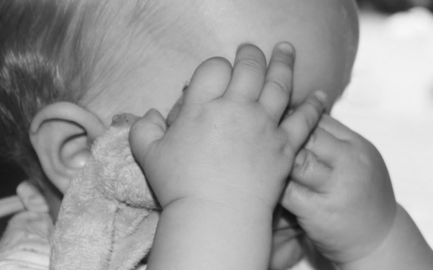 Uma bebé de quatro meses foi diagnosticada com tricomoníase depois de ter sido violada.
