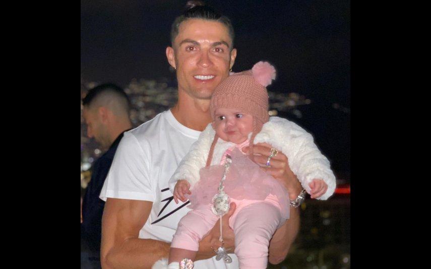 Cristiano Ronaldo e a filha mais nova de Katia Aveiro, Valentina