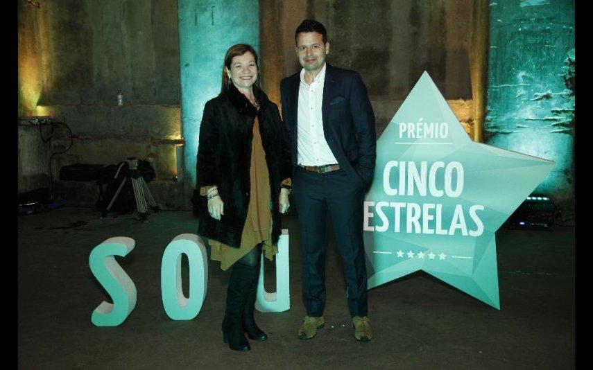 Paula Rodrigues, diretora-geral de publicações do Grupo Impala, e Humberto Simões, diretor da Nova Gente