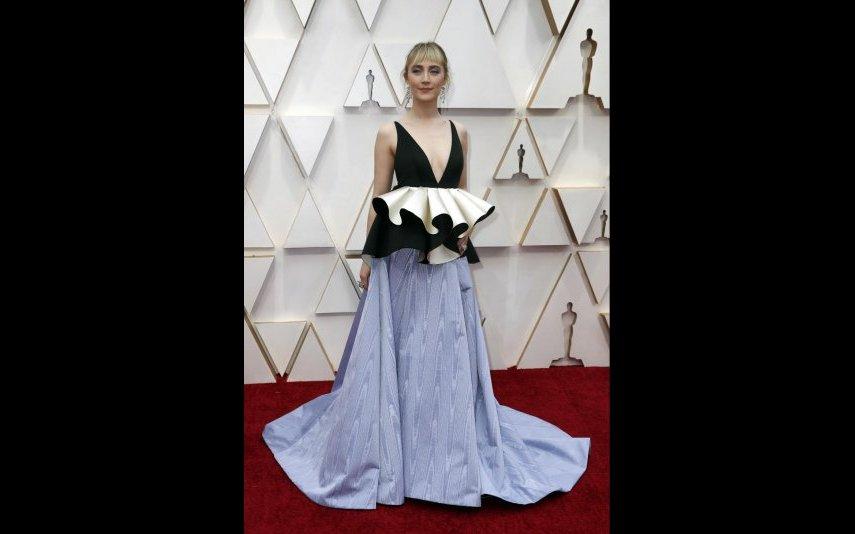 Saoirse Ronan, houve aqui qualquer coisa que não correu bem neste vestido Gucci - 2 estrelas