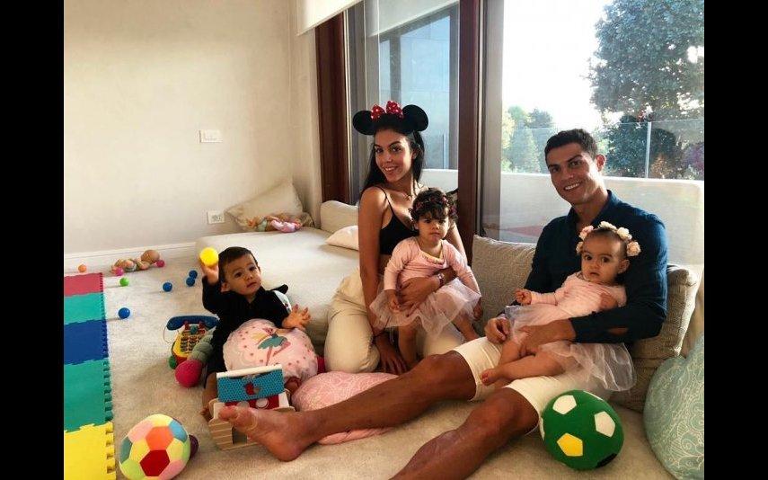 Cristiano Ronaldo, Georgina Rodríguez, Eva, Mateo e Alana Martina