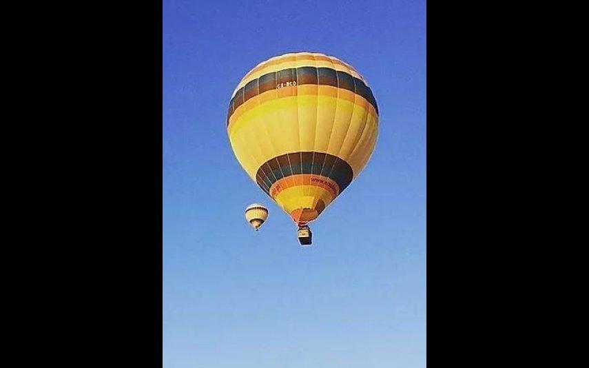 14/18  Pack Up Alentejo. Inclui: 1 voucher voo de balão descoberta para 1 ou 2 pessoas .Visita ao museu da Ruralidade em Entradas com degustação de produtos locais .1 Passeio guiado de Birdwatching na Reserva da Biosfera de Castro Verde .Oferta de portes de envio em Portugal Continental160 euros por 1 pessoa 320 euros por 2 pessoas