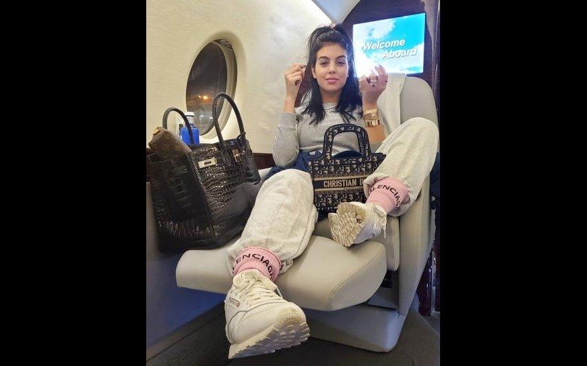 Georgina Rodríguez no avião a caminho da Madeira