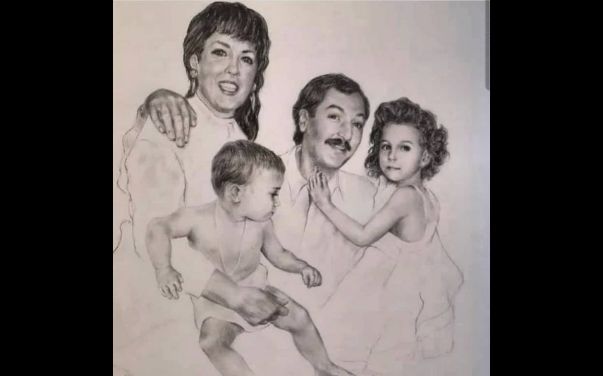 Georgina Rodríguez com a irmã e os pais, num retrato antigo