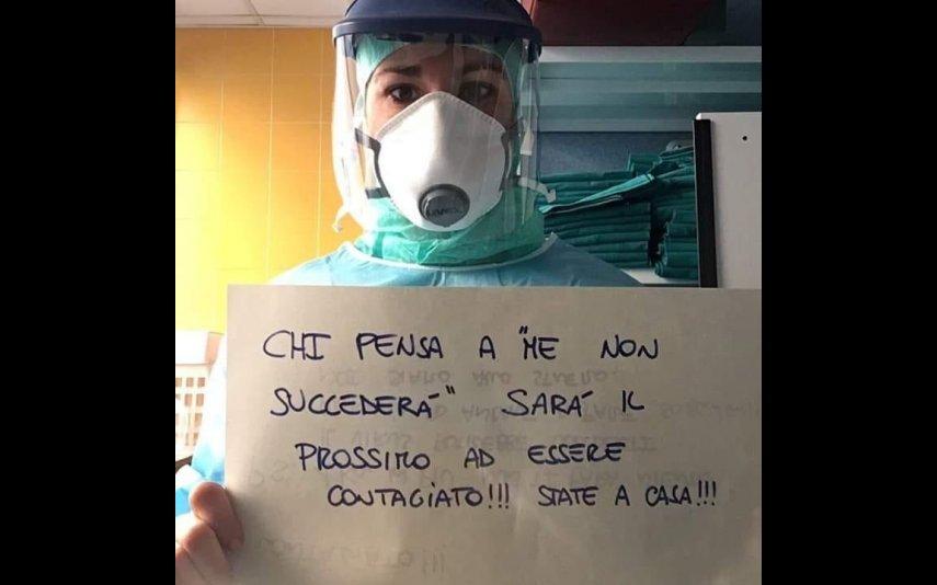 Imagens de enfermeiros italianos que cuidam diariamente de pacientes com coronavírus