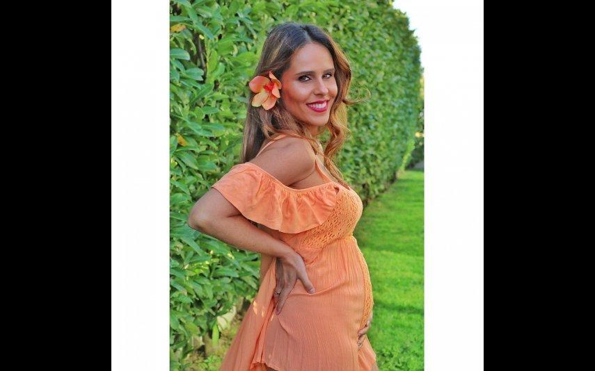 Carla Ascenção com a barriguinha de grávida já bem visível