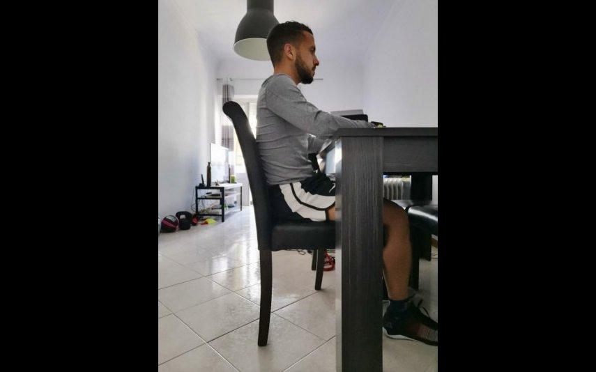 Posição ideal para estar na cadeira