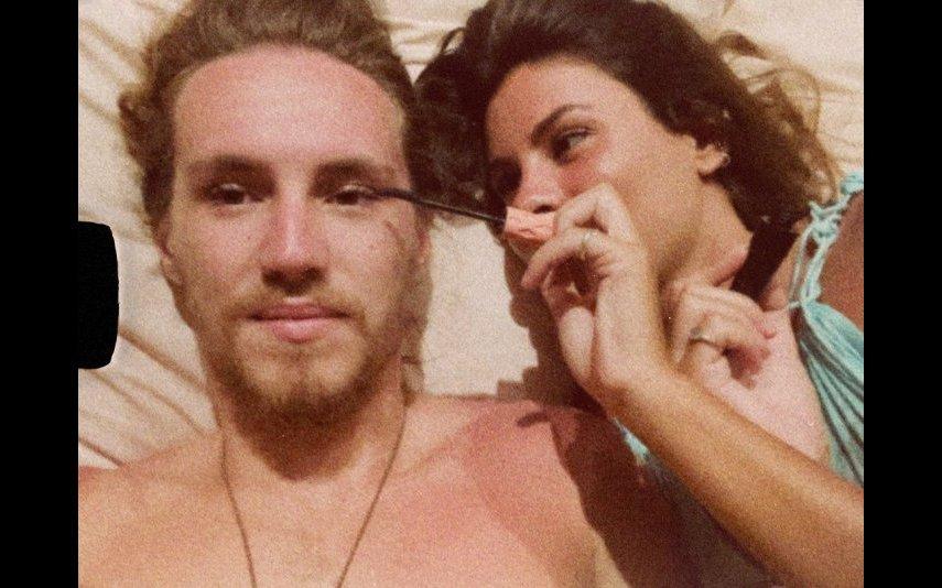 Vitor Kley e Carolina Loureiro