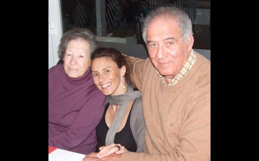 Sofia Cerveira com o pai, Raul, e com a avó