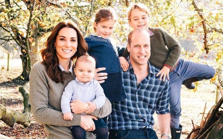 Kate Middleton e o príncipe William com os filhos