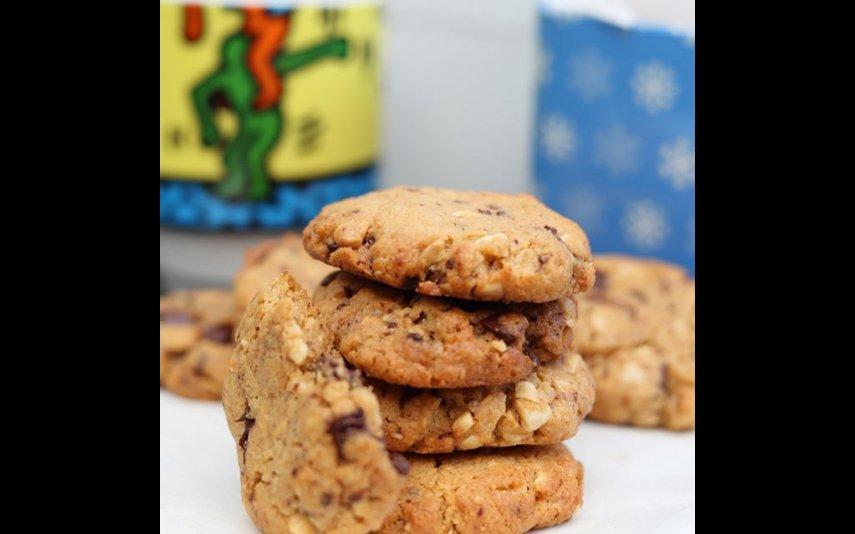 Biscoitos de manteiga de amendoim e pepitas de chocolate