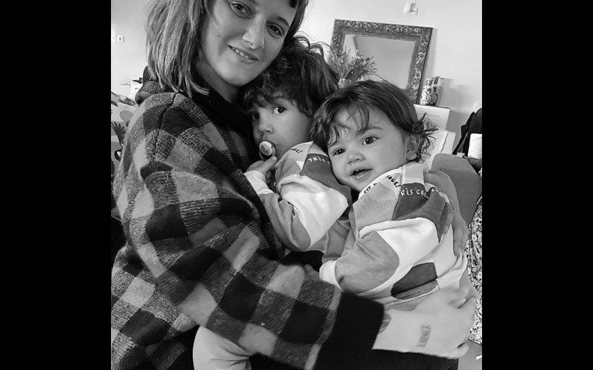 Carolina com os filhos