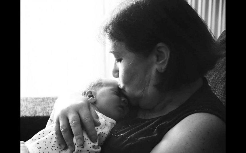 Uma das filhas de Débora Monteiro