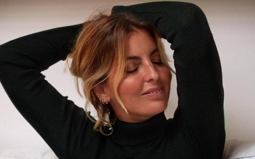 Jessica Athayde faz tratamento estético ao rosto